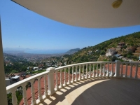 Luxus-Villa mit Blick über Alanya